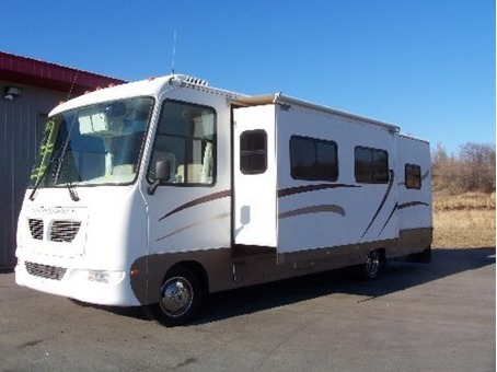 2005 Motor Home Gulfstream Independence with 2 slides